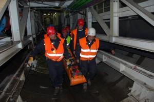 Cvičný výjezd HBZS Praha k postiženému při ražbě tunelu